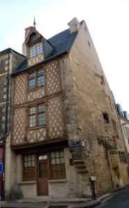Cliquer pour agrandir  Maison Bussière Tous droits réservés Michèle LALLEE-LENDERS